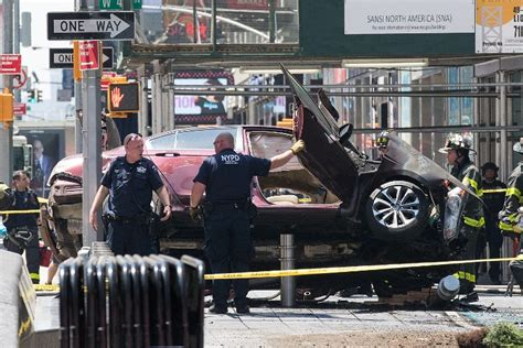 Thrifty Car Rental Midtown Atlanta At Least 1 Killed 12 Hurt As Car Rams Into Times Square
