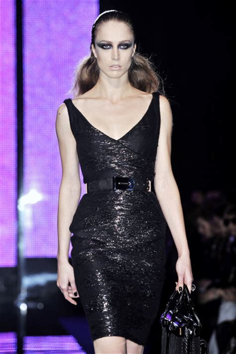 Versace 2009 Milan Fashion Week by Versace Fall 2009 Runway Pictures Livingly