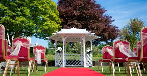 Backyard Wedding For 50 Backyard Wedding For 50 Guests 28 Images Trafford