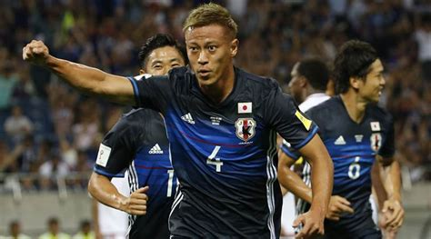ousted keisuke honda relishing fight  place  japan