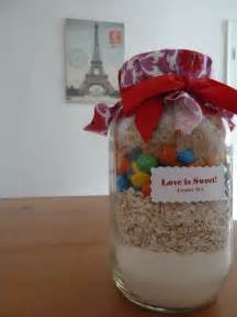 do it yourself bridal shower gift baskets diy bridal shower favor is sweet cookie mix