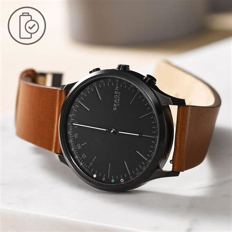 amazon com skagen hagen titanium and leather hybrid smartwatch amazon com skagen hagen connected black leather hybrid