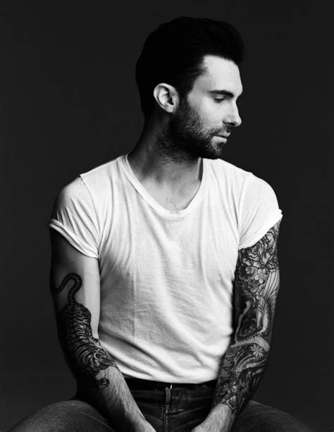 adam levine tiger tattoo adam levine tiger in his right arm tattoomagz