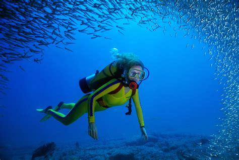underwater dive seasickness while scuba diving