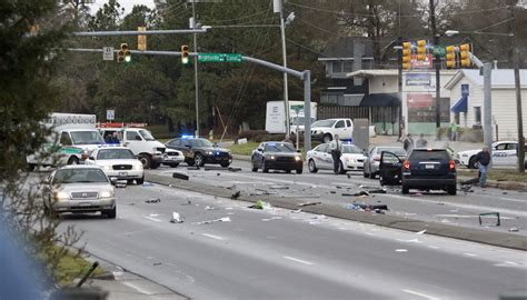 boat crash wilmington nc police chase involving bank robbers ends in five car crash