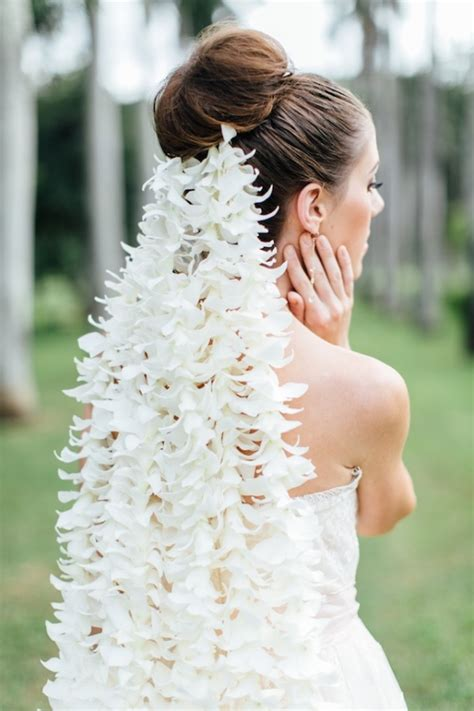 Wedding Veil Aisle by Regal Bridal Session In Hawaii With An Orchid Veil Aisle