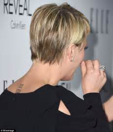 kaley cuoco still criticised for her hair cut fans hate kaley cuoco and husband ryan sweeting at elle women in