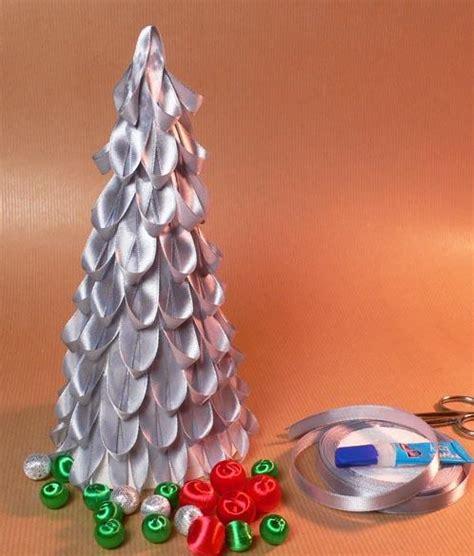 como decorar un arbol de navidad con cinta ancha decoraci 243 n de navidad 193 rbol de navidad con cintas de raso