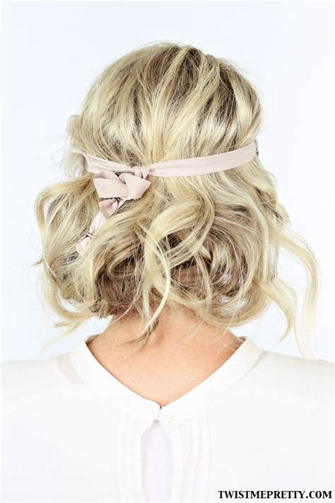 2 gorgeous gatsby hairstyles for halloween or a wedding gatsby style updo tuck and cover great gatsby style 2