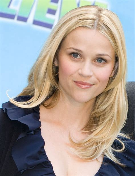 middle part and short layers layered hair center part hairstyles pinterest