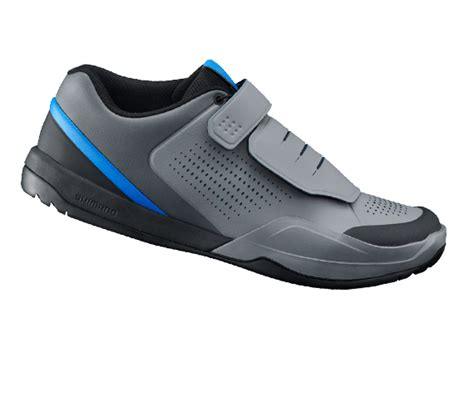 best flat pedal shoes clipless vs flat pedals and shoes for mtb