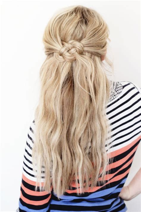 haircuts for stay at home moms 1000 ideas about hair knot on pinterest messy bun hair