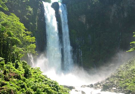 famous waterfalls the most famous beautiful waterfalls in the philippines