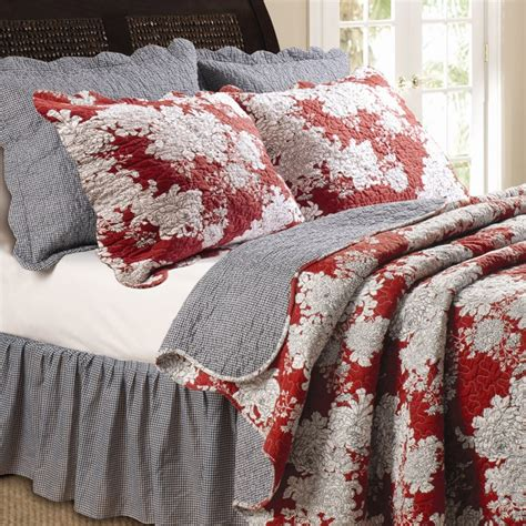 black and ivory bedding best 25 ivory bedding ideas on pinterest ivory bedroom