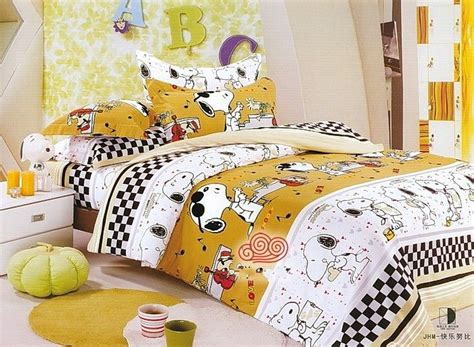snoopy bedroom 20 best images about peanuts bedding on pinterest
