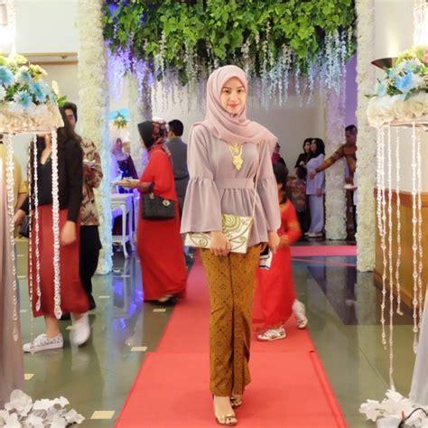 Rok Panjang Tule elegan 14 style kondangan ini bikin kamu til beda