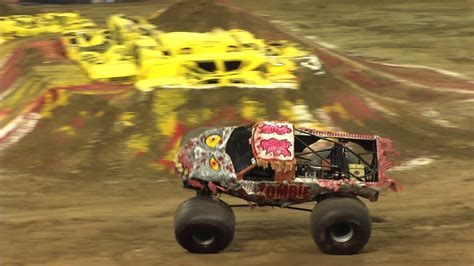 zombie monster jam truck monster jam zombie mega bite monster truck freestyle