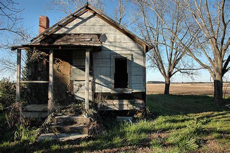 tar paper house irwin county ga tar paper tarpaper shack vernacular shotgun house abandoned rural