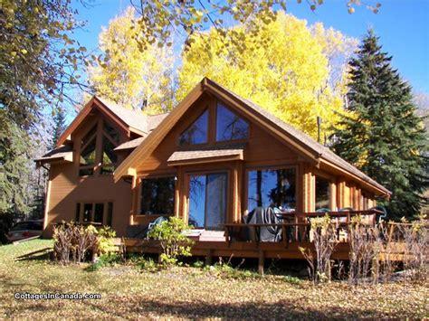 Cottages For Sale In Alberta by Amiscape Woods Lakeside Lodge Edmonton Cottage Rental Pl 9649 Cottagesincanada