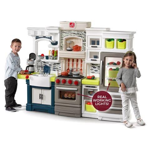 Step2 Cooks Kitchen by Edge Kitchen Play Kitchen Step2