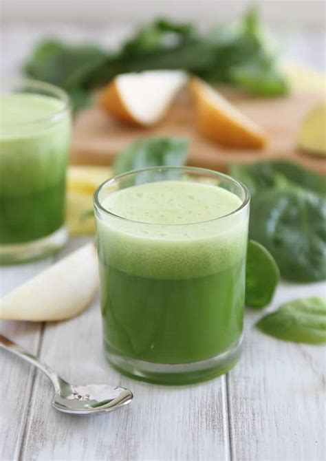 Spinach Detox Drinks by Pear Bellini Next Day Pear Spinach Detox Juice