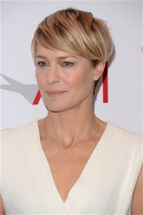 pics of robin wright haircut in house of cards robin wright short hair hair pinterest