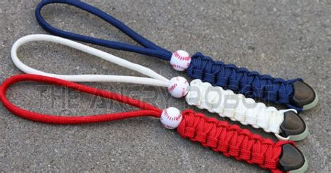 Key Glow Navy set of 3 white navy paracord lanyards with glow ends