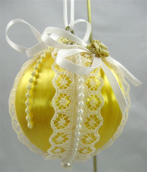 1000 images about yellow christmas really on pinterest