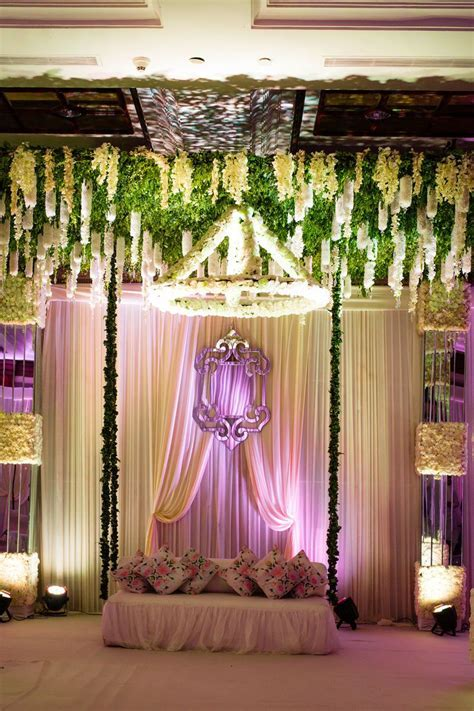 Swing style stage setup with mirror backdrop   Stages
