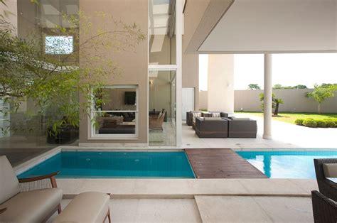 piscina interna casa casas piscinas 60 modelos projetos e fotos