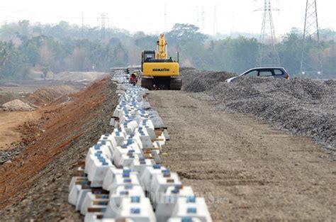 Bantal Makassar pembangunan bantalan jalur kereta api trans makassar