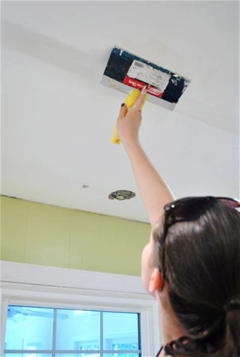 How To Spackle Ceiling by How To Patch And Spackle Ceiling Holes House