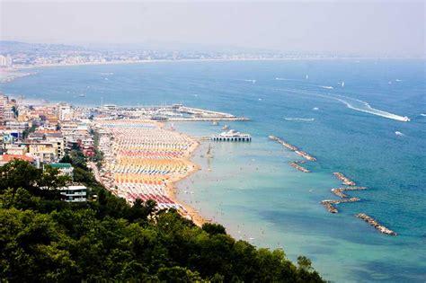 vacanze gabicce mare gabicce e dintorni ecco cosa fare e vedere italiavai