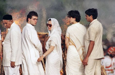 Rajiv Gandhi Funeral Photos Family