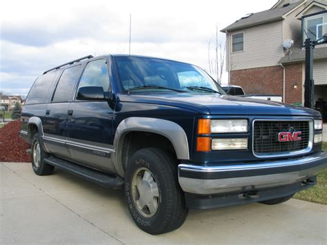 car repair manuals download 1999 gmc suburban 2500 on board diagnostic system service manual 1999 gmc suburban 2500 service manual 1999 chevrolet suburban 2500 4x4 low