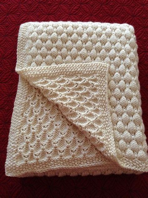 knitted baby comforter pattern 25 best ideas about knitting baby blankets on pinterest