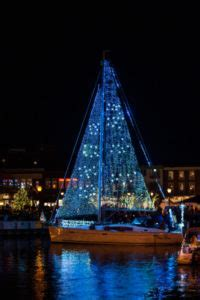 annapolis boat lights parade 2017 save the date eastport yacht club lights parade eye on