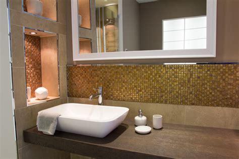 badezimmer fliesen groß badezimmer badezimmer braun gold badezimmer braun