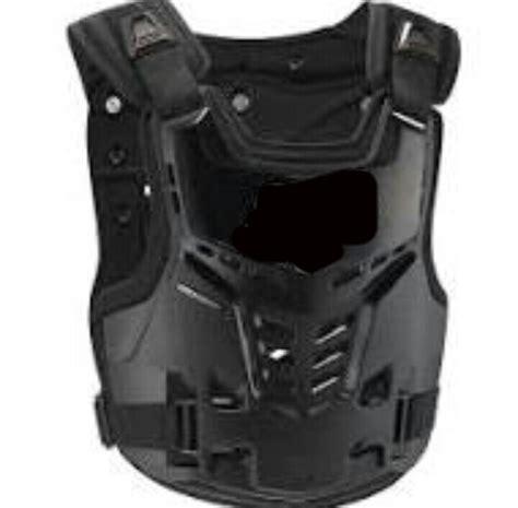 Pelindung Dada Saat Berkendara pentingnya helm sarung tangan protector sepatu