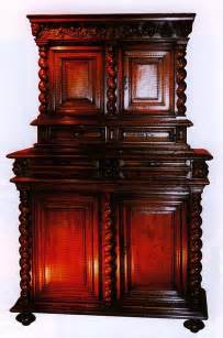 style louis xiii meubles