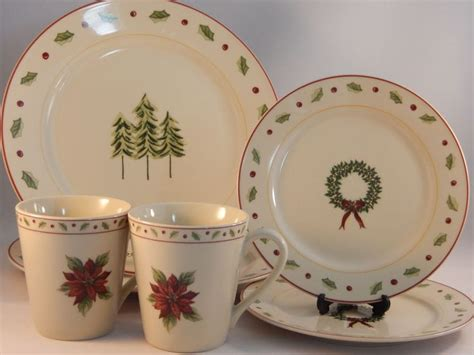 17 Best images about Christmas Dishes and Collectible Christmas Mugs on Pinterest   Fine china