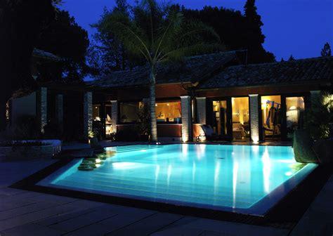 benefici fiscali prima casa una villa con piscina non gode dei benefici fiscali sulla