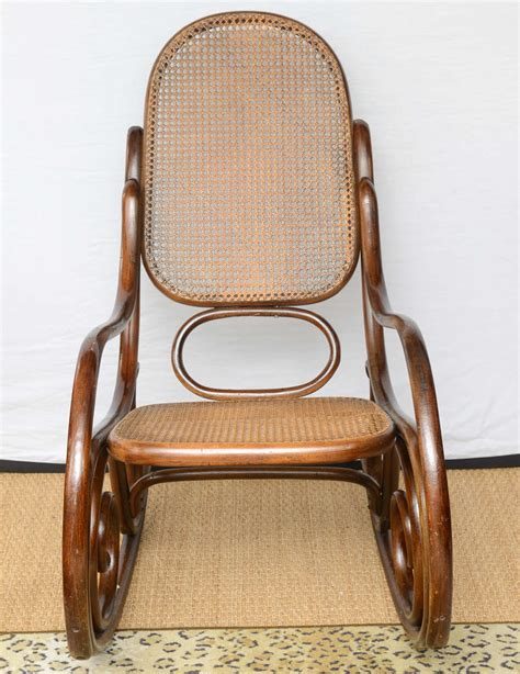 thonet schaukelstuhl vintage thonet bentwood rocking chair at 1stdibs