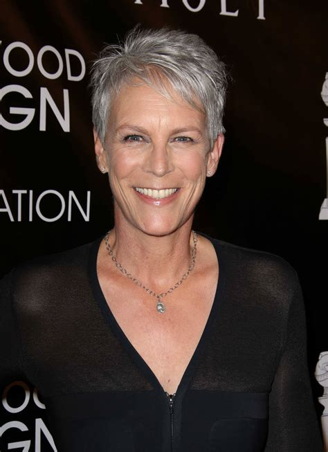 Pixie crop hairstyles: 5 Mature women who are rocking