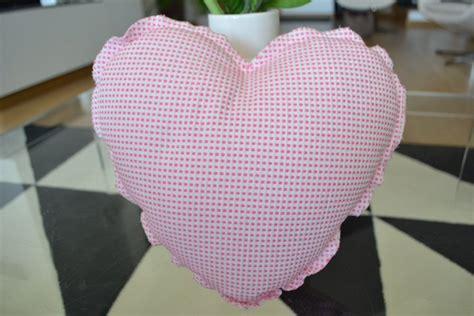 culla steffi cuscino a forma di cuore bambini cameretta di steffi