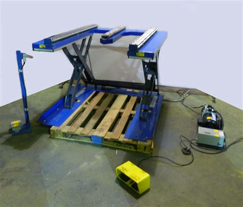 hydraulic pallet lift table southworth roll e2 5 hydraulic pallet lift 120vac single