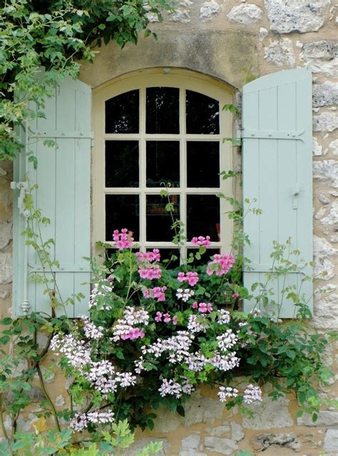 25 best ideas about cottage windows on