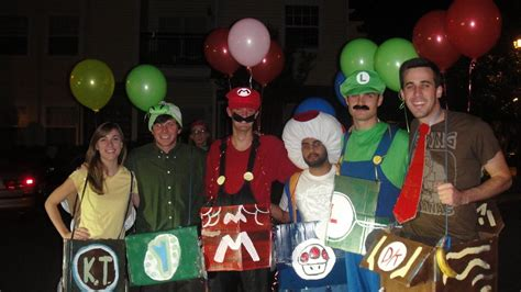 list  group halloween costume ideas  blow  mind