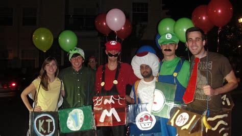 list  group halloween costume ideas  blow  mind