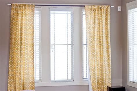 how to hang curtains properly ways to hang curtains astana apartments com